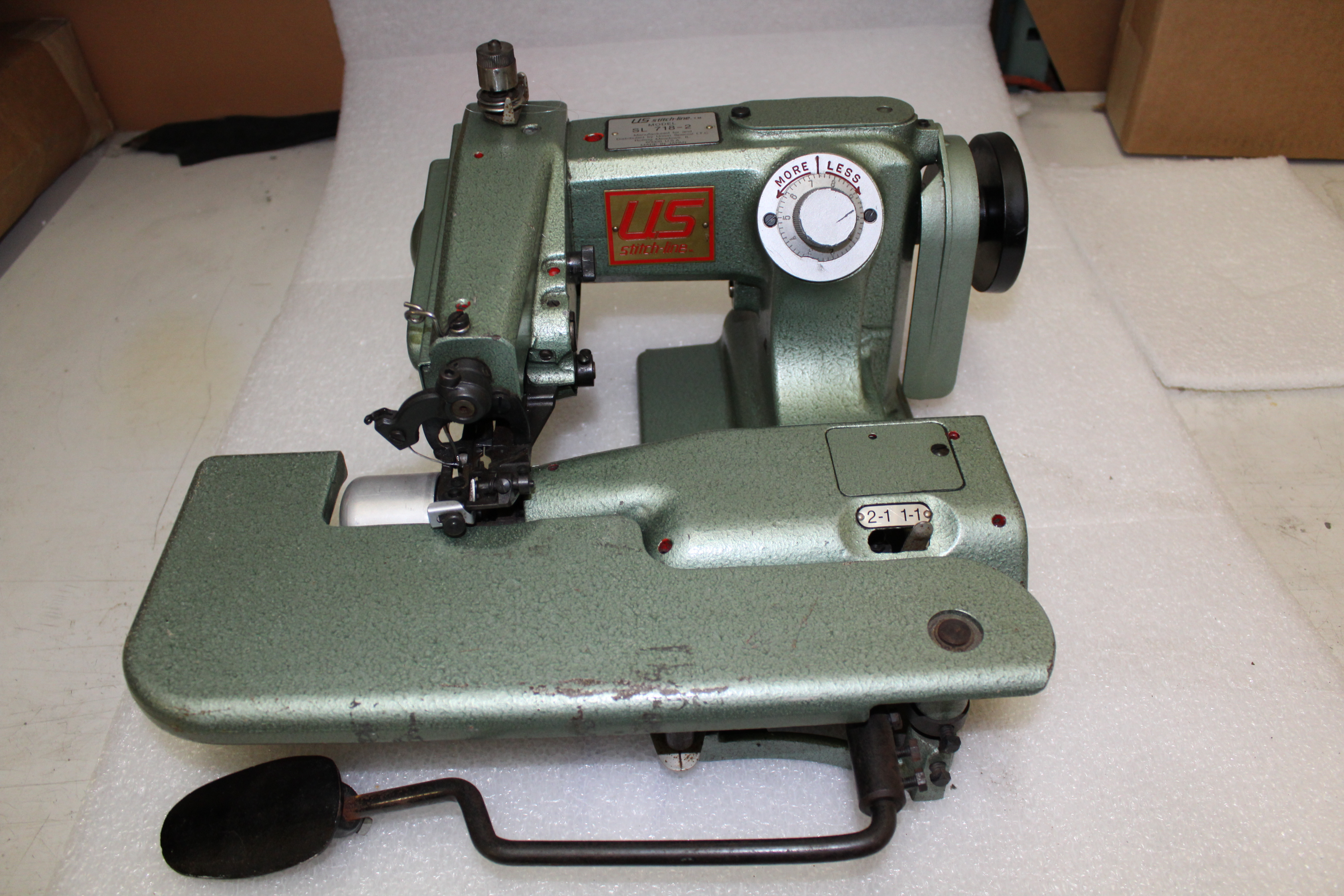 Used Sewing Small Cylinder Machine Us Blind Stitch Sl 718